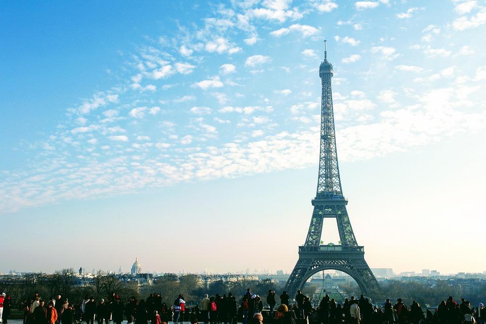 En  Francia las Becas otorgan permiso para trabajar y subsidio